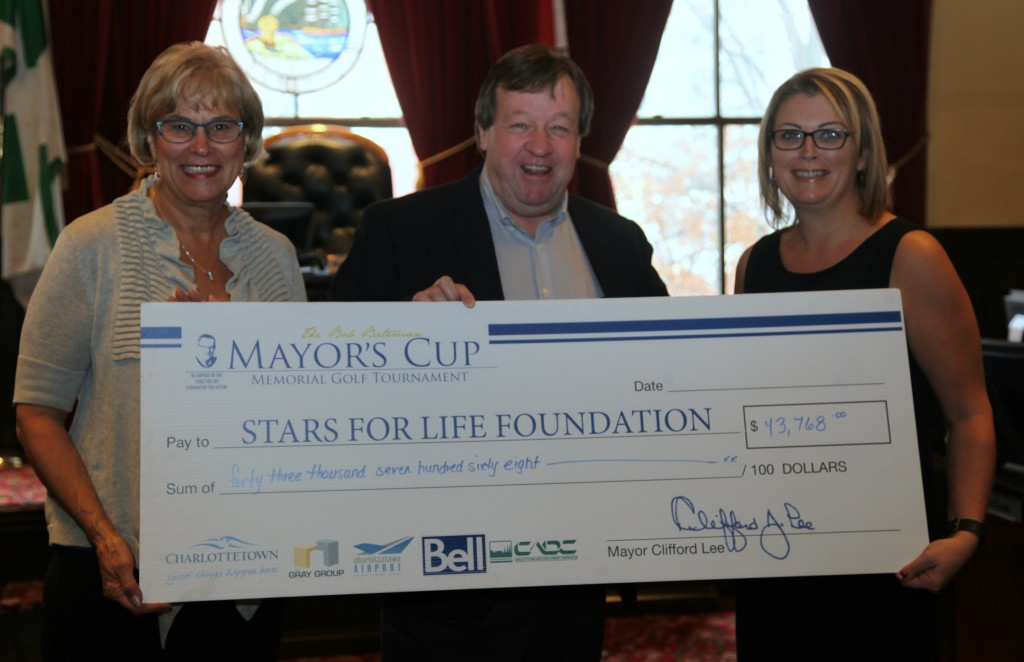 Mayor Clifford Lee presents the proceeds from the 6th annual Bob Bateman Memorial Mayors Cup Golf Tournament. This years total is an amazing $43,768!!! Thank-you Mayor Lee and everyone who was involved to make this tournament so successful